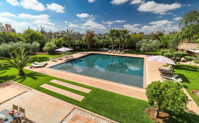 piscine-villa-marrakech-YOGA-HEALTHY-TAJINE-MARS-2020
