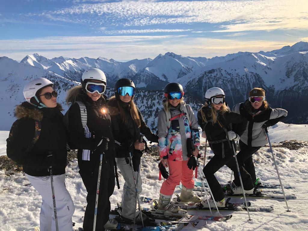 yoga-ski-cooking-équipe